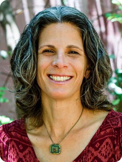 Efrat Maayan, clinical psychologist, Jungian and animal assisted therapist